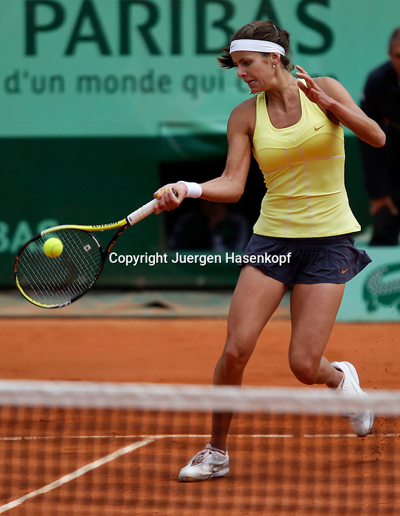 French Open 2011, Roland Garros,Paris,ITF Grand Slam Tennis Tournament . Julia Goerges (GER), Einzelbild,Aktion,