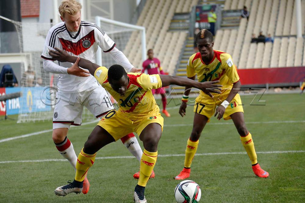 FIFA U20 World Cup New Zealand 2015, 14 June 2015, Christchurch, Mali - Germany, 1:1 (4:3, PSO), Quarterfinal, Julian BRANDT (GER, R), Hamidou TRAORE (MLI, M) and Falaye SACKO (MLI, R)