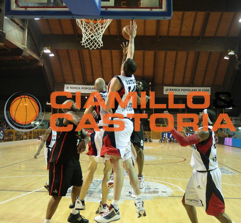 DESCRIZIONE : Lodi Lega A2 2009-10 Campionato UCC Casalpusterlengo - Riviera Solare RN<br /> GIOCATORE : Ebi Ndudi<br /> SQUADRA : Riviera Solare RN<br /> EVENTO : Campionato Lega A2 2009-2010<br /> GARA : UCC Casalpusterlengo Riviera Solare RN<br /> DATA : 14/03/2010<br /> CATEGORIA : Tiro<br /> SPORT : Pallacanestro <br /> AUTORE : Agenzia Ciamillo-Castoria/D.Pescosolido