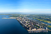 Nederland, Noord-Holland, Amsterdam, 13-06-2017; overzicht IJburg met de as van de IJburglaan. Haveneiland met rechts daar van het Grote en Kleine Rieteiland, Rieteiland Oost. Geheel rechts Diemen-Zuid en het Diemerpark (voormalige vuilstortplaats Diemerzeedijk).<br /> Overview IJburg, the new urban development district of Amsterdam, along the central road.<br /> luchtfoto (toeslag op standard tarieven);<br /> aerial photo (additional fee required);<br /> copyright foto/photo Siebe Swart