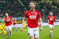 DEN HAAG - 30-10-2016, ADO Den Haag - AZ , Kyocera Stadion, 0-1, AZ speler Robert Muhren heeft de 0-1 gescoord en juicht, juichen.