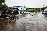Rua da cidade. Irati, Santa Catarina, Brasil. / <br /> City street. Irati, Santa Catarina, Brazil.