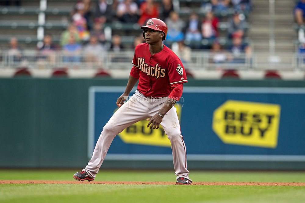 MINNEAPOLIS, MN- SEPTEMBER 24: Didi Gregorius #1 of the Arizona Diamondbacks runs against the Minnesota Twins on September 24, 2014 at Target Field in Minneapolis, Minnesota. The Twins defeated the Diamondbacks 2-1. (Photo by Brace Hemmelgarn) *** Local Caption *** Didi Gregorius