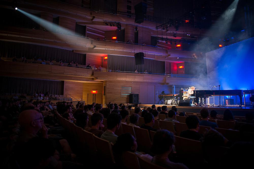 NILS FRAHM, A/VISIONS 5 : 2 juin 2013 à la Maison Symphonique.