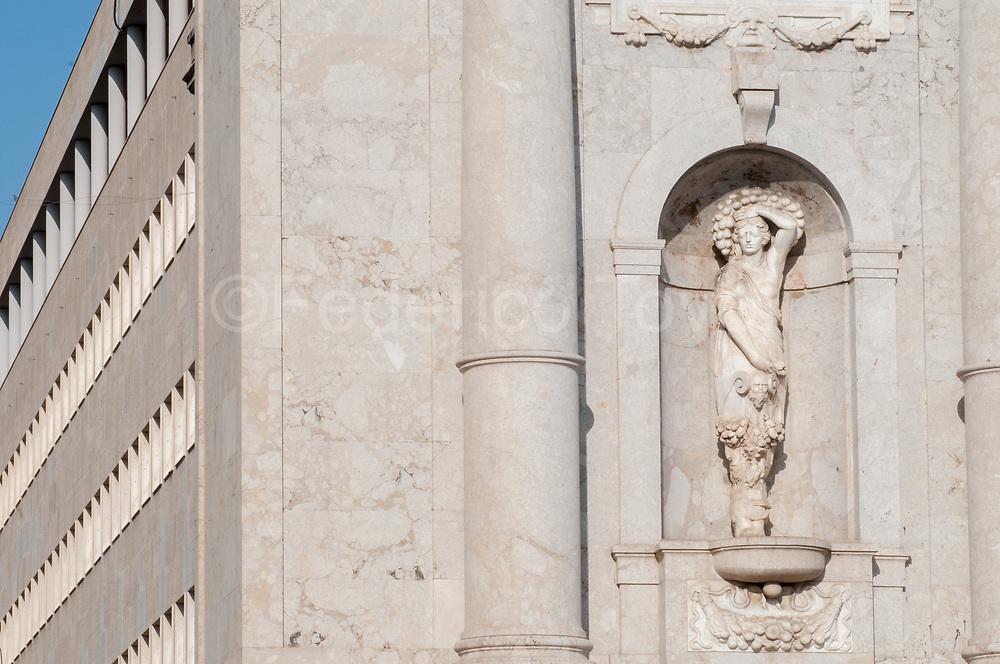 Porta Felice detail