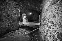 Tunnel Network between Slave Dungeons