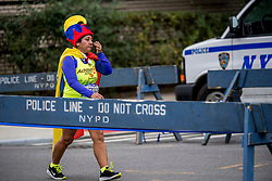 05-11-2017 USA: NYC Marathon, New York<br /> De dag van de marathon, 42 km en 195 meter door de straten van Staten Island, Brooklyn, Queens, The Bronx en Manhattan / Police NYPD, security, beveiliging