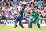 Picture by Allan McKenzie/SWpix.com - 19/05/2019 - Sport - Cricket - 5th Royal London One Day International - England v Pakistan - Emerald Headingley Cricket Ground, Leeds, England - England's Eoin Morgan hits out against Pakistan.