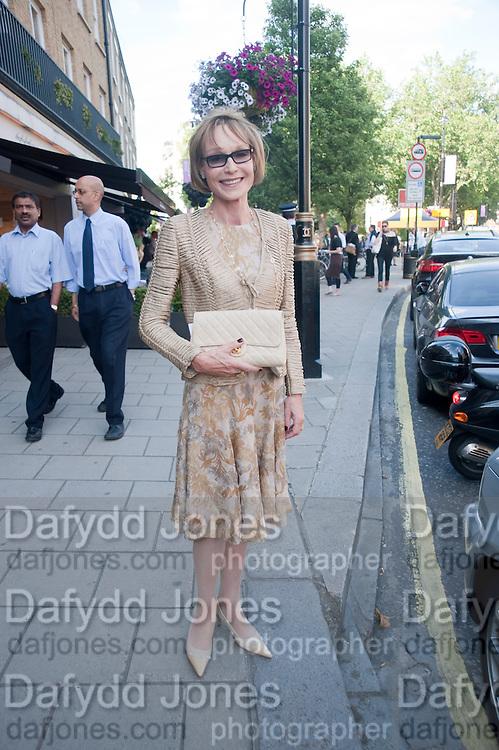 LADY VICTORIA GETTY, Pimlico Road party. 22 June 2010. -DO NOT ARCHIVE-© Copyright Photograph by Dafydd Jones. 248 Clapham Rd. London SW9 0PZ. Tel 0207 820 0771. www.dafjones.com.