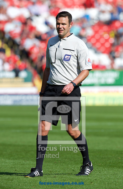 Referee James Linington during the Sky Bet Championship match at The Valley, London<br /> Picture by Alan Stanford/Focus Images Ltd +44 7915 056117<br /> 04/10/2015