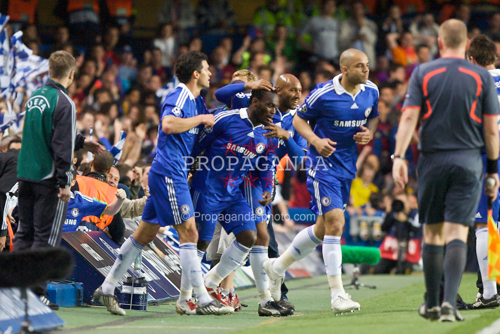LONDON, ENGLAND - Wednesday, May 6, 2009: Chelsea's Michael Essien celebrates scoring the opening goal against Barcelona during the UEFA Champions League Semi-Final 2nd Leg match at Stamford Bridge. (Photo by Carlo Baroncini/Propaganda)