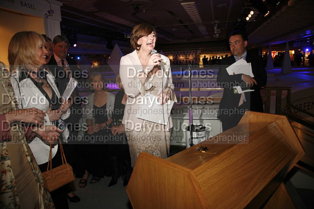 Cherie Booth doing the raffle,  Gala champagne reception and dinner in aid of CLIC Sargent.  Grosvenor House Art and Antiques Fair.  Grosvenor House. Park Lane. London. 14 June 2006. ONE TIME USE ONLY - DO NOT ARCHIVE  © Copyright Photograph by Dafydd Jones 66 Stockwell Park Rd. London SW9 0DA Tel 020 7733 0108 www.dafjones.com