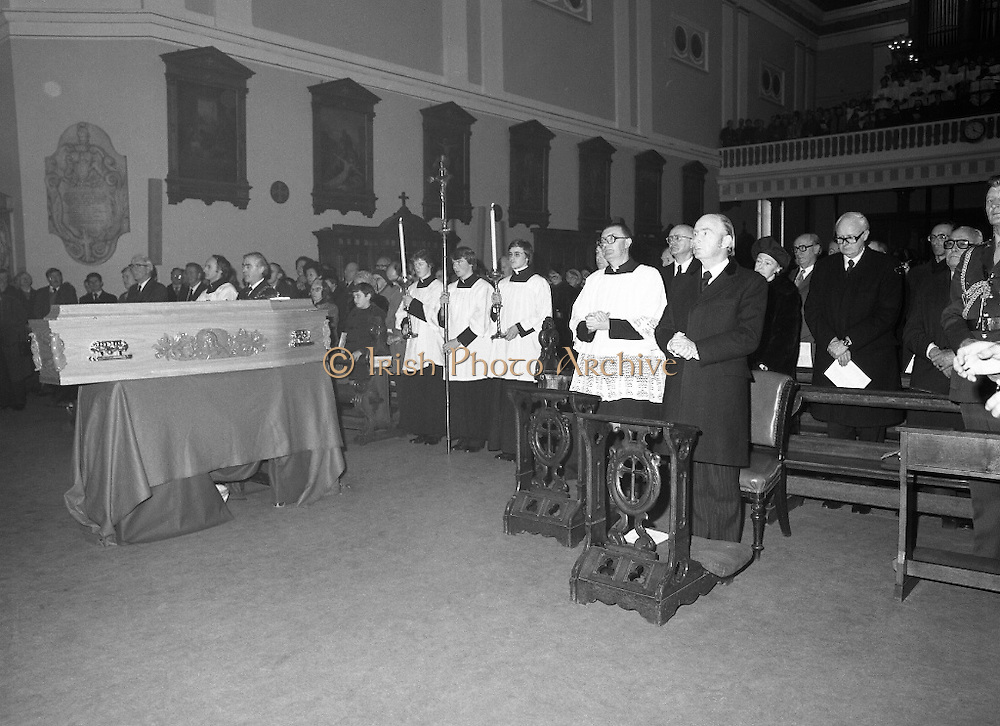 Funeral Of Frank Duff.   (N50)..1980..13.11.1980..11.13.1980..13th November 1980..The Solemn Funeral Mass for Frank Duff, founder of The Legion of Mary,was concelebrated with his Eminence,Cardinal Tómas O'Fiaich,Archbishop of Armagh and Primate of All Ireland as principal celebrant, at St Andrew's Church, Westland Row,Dublin. The funeral took place after the mass to Glasnevin Cemetery..Image shows a view of the congregation at the funeral mass of Frank Duff founder of The Legion of Mary.