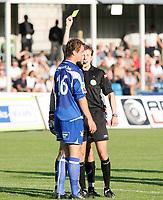 Fotball <br /> Adeccoligaen<br /> Hønefoss Idrettspark<br /> 24.08.08<br /> Hønefoss BK  v  FK Haugesund  1-1<br /> <br /> Foto: Dagfinn Limoseth, Digitalsport<br /> Gult kort til Cameron Weaver , Haugesund
