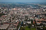 Nederland, Groningen, Groningen Stad, 08-09-2009; overzicht van de binnenstad vanuit het Westen, naar het Eemskanal richting Delfzijl; .Overview city centre.luchtfoto (toeslag); aerial photo (additional fee required); .foto Siebe Swart / photo Siebe Swart