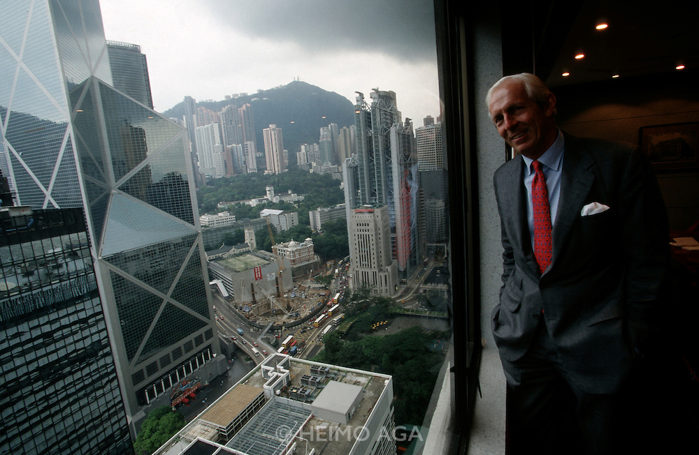 Central District. Bank of China (l.) by Ieoh Ming Pei, Hong Kong and Shanghai Bank by Sir Norman Foster (r.), Anthony Howe (then Bank Austria representative) at his office.