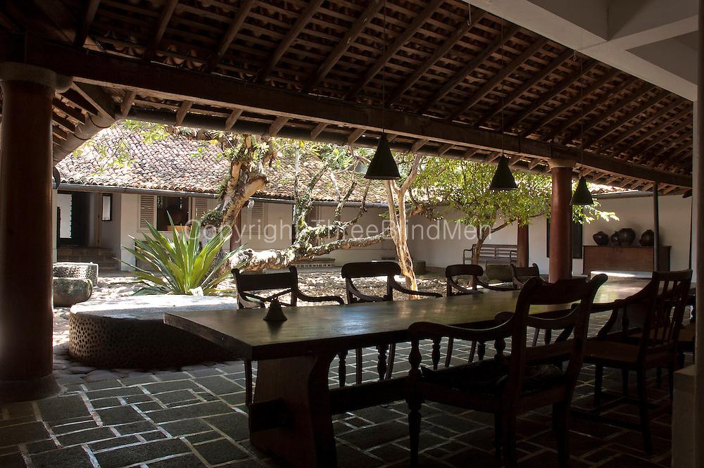 Sri lanka the ena de silva house 5 alfred place for Architecture design house in sri lanka