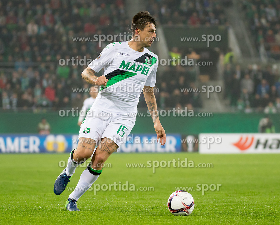 20.10.2016, Weststadion, Wien, AUT, UEFA EL, SK Rapid Wien vs US Sassuolo Calcio, Gruppe F, im Bild Francesco Acerbi (US Sassuolo Calcio) // during a UEFA Europa League, group F game between SK Rapid Wien and US Sassuolo Calcio at the Weststadion, Vienna, Austria on 2016/10/20. EXPA Pictures © 2016, PhotoCredit: EXPA/ Sebastian Pucher