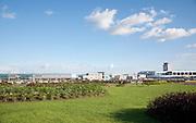 """El Aeropuerto Internacional de Tocumen, está localizado a 24 kilómetros de la ciudad de Panamá, Panamá. El aeropuerto es el mayor y más importante de Panamá y Centroamérica y tiene vuelos a más de 65 ciudades de América y Europa, cubriendo gran parte de Latinoamérica. Actualmente se encuentran en la segunda fase del programa de expansión que incluye una nueva área denominada """"Muelle Norte"""" el cual aumentará la capacidad del aeropuerto en un 50%. ©Victoria Murillo/ Istmophoto.com"""