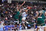 DESCRIZIONE : Eurocup 2014/15 Last32 Dinamo Banco di Sardegna Sassari -  Banvit Bandirma<br /> GIOCATORE : David Logan<br /> CATEGORIA : Passaggio Penetrazione<br /> SQUADRA : Dinamo Banco di Sardegna Sassari<br /> EVENTO : Eurocup 2014/2015<br /> GARA : Dinamo Banco di Sardegna Sassari - Banvit Bandirma<br /> DATA : 11/02/2015<br /> SPORT : Pallacanestro <br /> AUTORE : Agenzia Ciamillo-Castoria / Luigi Canu<br /> Galleria : Eurocup 2014/2015<br /> Fotonotizia : Eurocup 2014/15 Last32 Dinamo Banco di Sardegna Sassari -  Banvit Bandirma<br /> Predefinita :