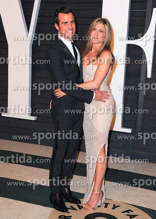 22.02.2015, Wallis Anneberg Center for the Performing Arts, Beverly Hills, USA, Vanity Fair Oscar Party 2015, Roter Teppich, im Bild Justin Theroux and Jennifer Aniston // during the red Carpet of 2015 Vanity Fair Oscar Party at the Wallis Anneberg Center for the Performing Arts in Beverly Hills, United States on 2015/02/22. EXPA Pictures &copy; 2015, PhotoCredit: EXPA/ Newspix/ PGSK<br /> <br /> *****ATTENTION - for AUT, SLO, CRO, SRB, BIH, MAZ, TUR, SUI, SWE only*****