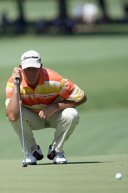 09 August 2007: Tom Lehman analyzes the 3rd green during the first round of the 89th PGA Championship at Southern Hills Country Club in Tulsa, OK.
