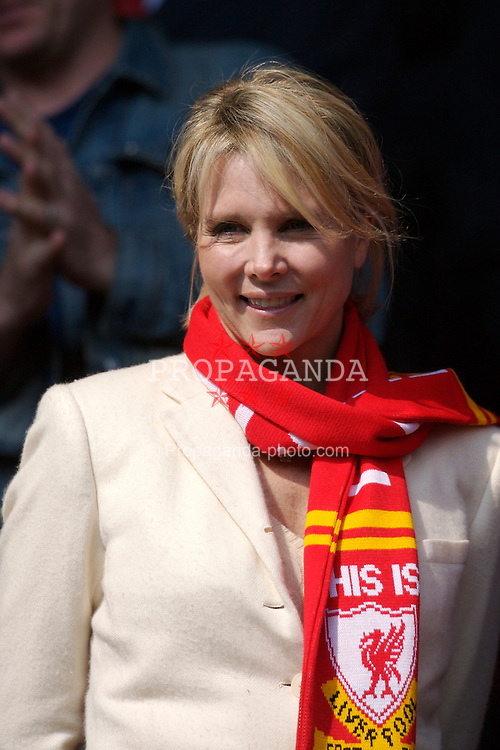 Liverpool, England - Saturday, March 3, 2007: Cinda Hicks, the wife of Liverpool's co-owner Tom Hicks before the Premiership match against Arsenal at Anfield. (Pic by David Rawcliffe/Propaganda)