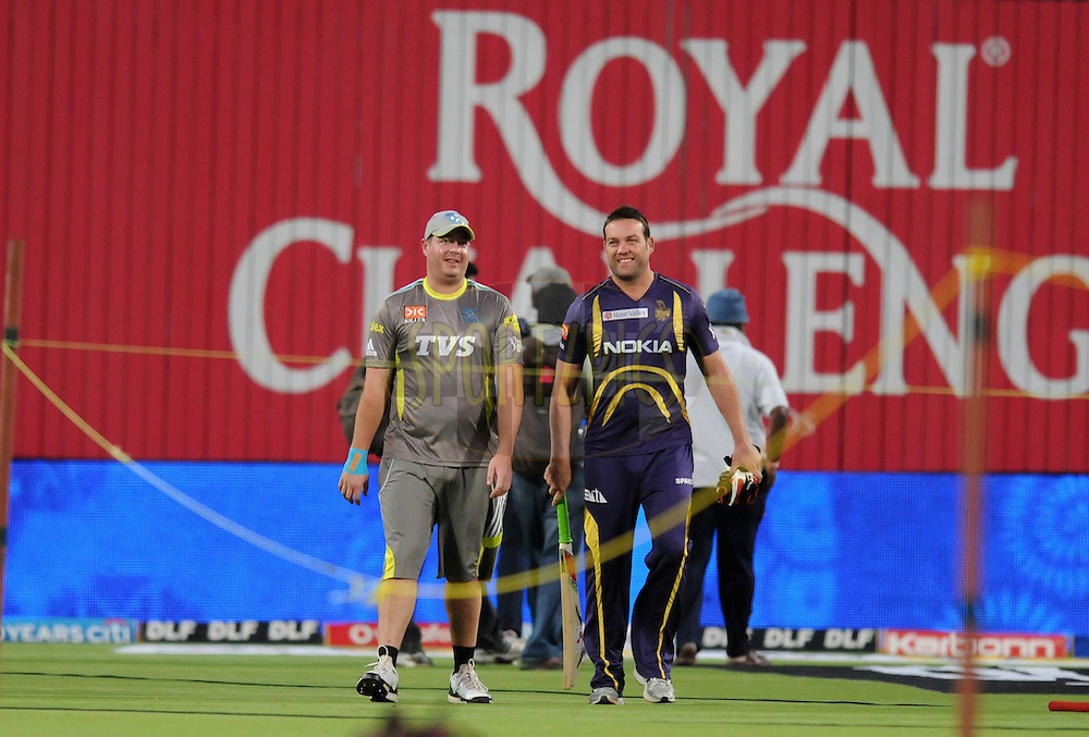 Jesse Ryder of Pune Warriors India and Jacques Kallis of Kolkatta Knight Riders during a practice session before the start of  match 70 of the Indian Premier League ( IPL) 2012  between The Pune Warriors India and the Kolkata Knight Riders held at the Subrata Roy Sahara Stadium, Pune on the 19th May 2012..Photo by Pal Pillai/IPL/SPORTZPICS