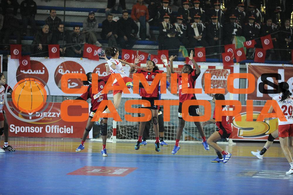 DESCRIZIONE : Hand Coupe Afrique des Nations Femme Maroc Rabat Finale<br /> GIOCATORE : CHEBBAH Mouna <br /> SQUADRA : Tunisie<br /> EVENTO : FRANCE Hand CAN<br /> GARA : Angola Tunisie<br /> DATA :20/01/2012<br /> CATEGORIA : Hand CAN<br /> SPORT : Handball<br /> AUTORE : JF Molliere <br /> Galleria : France Hand 2011-2012 Action<br /> Fotonotizia : CAN Hand RABAT  Finale<br /> Predefinita :