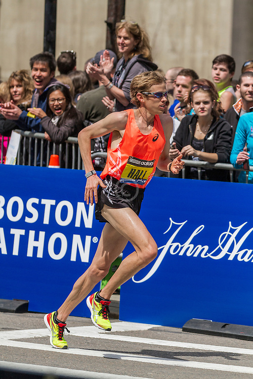 2014 Boston Marathon: turn onto Boylston Street with quarter mile to go, Ryan Hall