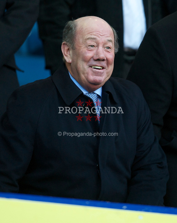 LIVERPOOL, ENGLAND - Sunday, March 7, 2010: Everton's former manager Howard Kendall during the Premiership match against Hull City at Goodison Park. (Photo by David Rawcliffe/Propaganda)