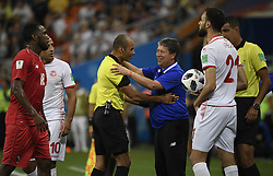 SARANSK, June 28, 2018  Panama's head coach Hernan Gomez (3rd R) talks with the referee during the 2018 FIFA World Cup Group G match between Panama and Tunisia in Saransk, Russia, June 28, 2018. Tunisia won 2-1. (Credit Image: © Lui Siu Wai/Xinhua via ZUMA Wire)