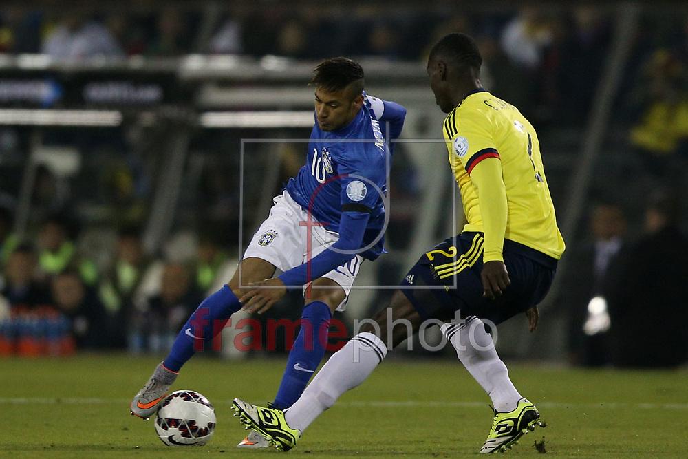 Neymar durante partida entre Brasil x Colombia  no  Estádio Monumental David Arellano , na cidade de Santiago, no Chile, válida pela fase de grupos da Copa América 2015 do Chile. Foto ALAN MORICI/FRAME