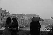 Italy. Venice. The Grand canal in the fog , view from the  RIALTO bridge  Venice - Italy  / le grand canal dans la brume,  vue depuis le pont du RIALTO  Venise - Italie / VCE098