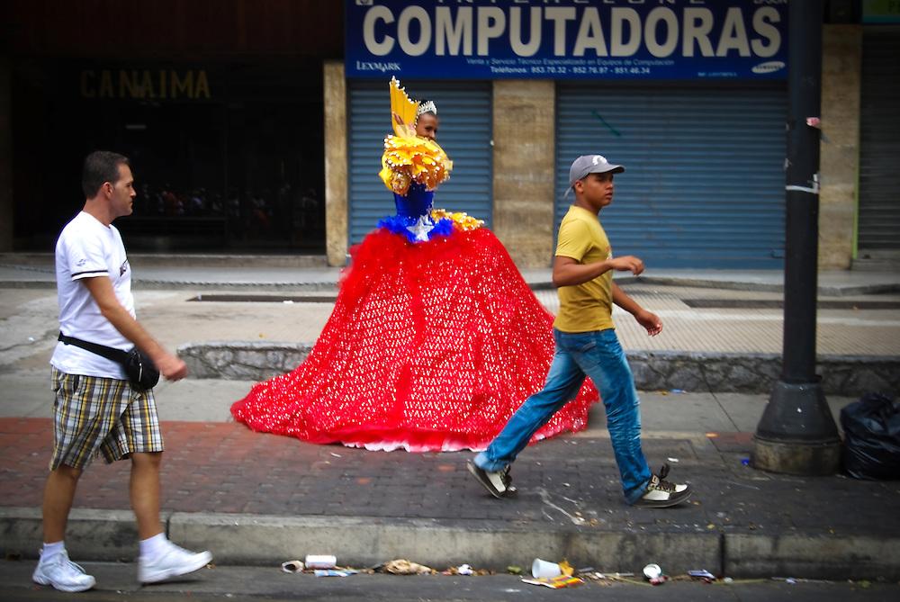GAY PRIDE PARADE 2009 / MARCHA DEL ORGULLO GAY 2009<br /> Photography by Aaron Sosa<br /> Caracas - Venezuela 2009<br /> (Copyright &copy; Aaron Sosa