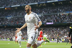 23.04.2014, Estadio Santiago Bernabeu, Madrid, ESP, UEFA CL, Real Madrid vs FC Bayern Muenchen, Halbfinale, Hinspiel, im Bild Torjubel von Karim Benzema #9 (Real Madrid) zum 1:0 // during the UEFA Champions League Round of 4, 1st Leg Match between Real Madrid vs FC Bayern Munich at the Estadio Santiago Bernabeu in Madrid, Spain on 2014/04/23. EXPA Pictures &copy; 2014, PhotoCredit: EXPA/ Eibner-Pressefoto/ Kolbert<br /> <br /> *****ATTENTION - OUT of GER*****