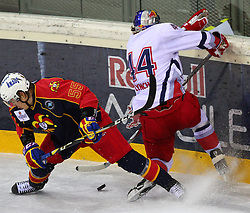 18.12.2011, Albert Schultz Halle, Wien, AUT, European Trophy, Finale, Jokerit vs EC Red Bull Salzburg, im Bild Henri Heino, (Jokerit, #55) und Doug Lynch, (EC Red Bull Salzburg, #44) , EXPA Pictures © 2011, PhotoCredit: EXPA/ T. Haumer