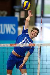 17-05-2013 VOLLEYBAL: BELGIE - NEDERLAND: KORTRIJK<br /> Nederland wint de eerste oefenwedstrijd met 3-0 van Belgie / Maarten van Garderen<br /> &copy;2013-FotoHoogendoorn.nl