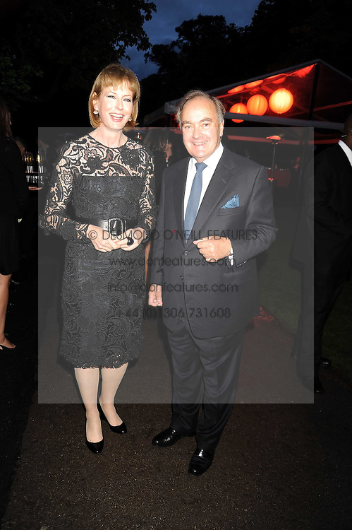 JULIA PEYTON-JONES and LORD PALUMBO at the annual Serpentine Gallery Summer Party in Kensington Gardens, London on 9th September 2008.