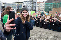 """22 MAR 2019, BERLIN/GERMANY:<br /> Luisa Neubauer, Aktivistin, Geografiestudentin und Mitbegruenderin der Schuelerproteste, auf einer Demo """"Fridays for Future"""" fuer mehr Klimaschutz, Invalidenpark<br /> IMAGE: 20190322-01-039<br /> KEYWORDS: Demonstration, Protest, portester, Youth, Clima, climate change, Demonstranten, Klimarettung, Demo, Schulstreik, Streik, Schüler, Klimawandel, Smartphone"""