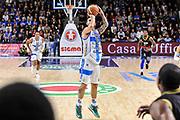 DESCRIZIONE : Campionato 2014/15 Serie A Beko Dinamo Banco di Sardegna Sassari - Upea Capo D'Orlando<br /> GIOCATORE : Brian Sacchetti<br /> CATEGORIA : Tiro Tre Punti Three Point<br /> SQUADRA : Dinamo Banco di Sardegna Sassari<br /> EVENTO : LegaBasket Serie A Beko 2014/2015<br /> GARA : Dinamo Banco di Sardegna Sassari - Upea Capo D'Orlando<br /> DATA : 22/03/2015<br /> SPORT : Pallacanestro <br /> AUTORE : Agenzia Ciamillo-Castoria/L.Canu<br /> Galleria : LegaBasket Serie A Beko 2014/2015