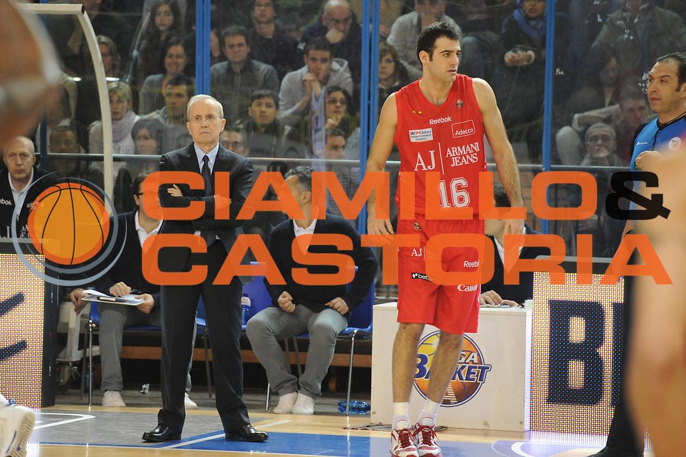 DESCRIZIONE : Cremona Lega A 2010-11 Vanoli Braga Cremona Armani Jeans Milano<br /> GIOCATORE : Dan Peterson<br /> SQUADRA :  Armani Jeans Milano<br /> EVENTO : Campionato Lega A 2010-2011 <br /> GARA : Vanoli Braga Cremona Armani Jeans Milano<br /> DATA : 09/01/2011<br /> CATEGORIA : ritratto<br /> SPORT : Pallacanestro <br /> AUTORE : Agenzia Ciamillo-Castoria/GiulioCiamillo<br /> Galleria : Lega Basket A 2010-2011 <br /> Fotonotizia : Cremona Lega A 2010-11 Vanoli Braga Cremona Armani Jeans Milano<br /> Predefinita :