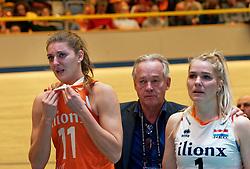 11–01-2020 NED: Semi Final Olympic qualification tournament women Germany - Netherlands, Apeldoorn<br /> First semi final match Germany - Netherlands 3-0 / Anne Buijs #11 of Netherlands, Joop Alberda, Kirsten Knip #1 of Netherlands