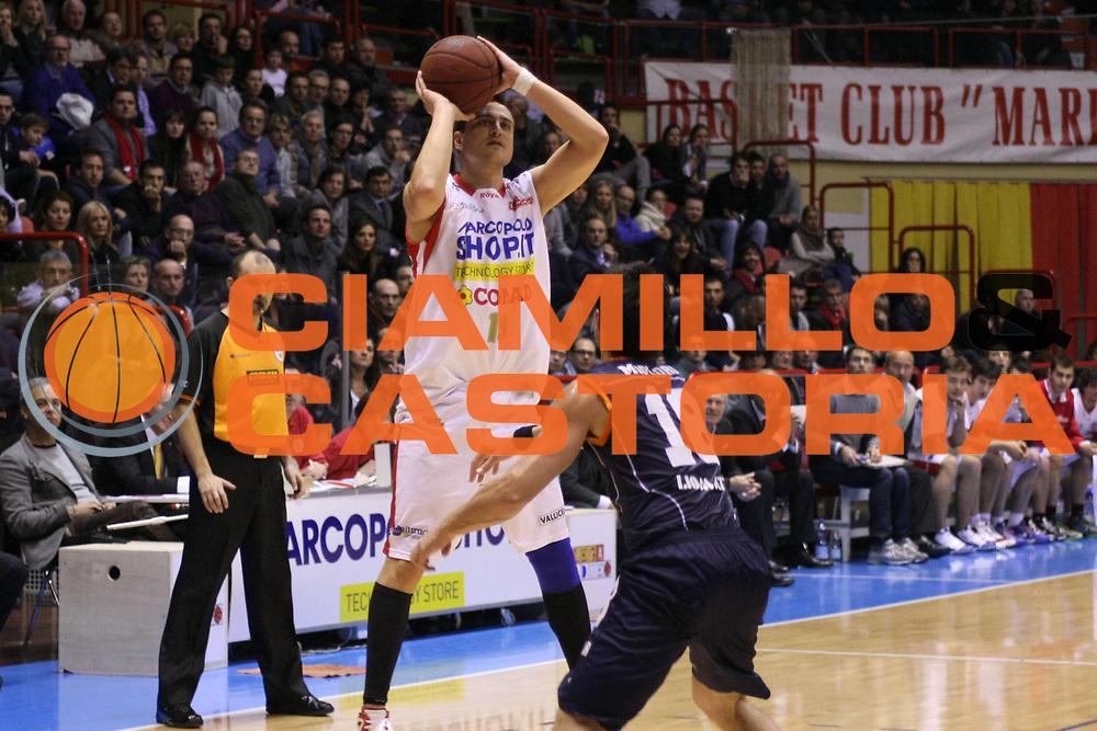 DESCRIZIONE : Forli Legadue 2010-11 MarcoPoloShop.it Forli Fileni Jesi<br /> GIOCATORE : Federico Lestini<br /> SQUADRA : MarcoPoloShop.it Forli<br /> EVENTO : Campionato Legadue 2010-2011<br /> GARA : MarcoPoloShop.it Forli Fileni Jesi<br /> DATA : 10/12/2010<br /> CATEGORIA : tiro<br /> SPORT : Pallacanestro <br /> AUTORE : Agenzia Ciamillo-Castoria/M.Nazzaro<br /> Galleria : Lega Basket A2 2009-2010 <br /> Fotonotizia : Forli Legadue 2010-2011 MarcoPoloShop.it Forli Fileni Jesi<br /> Predefinita :