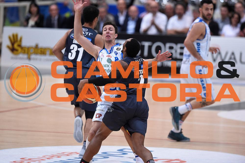 Devecchi Giacomo, Sutton Dominique<br /> Quarti di Finale Gara 2<br /> Legabasket A 2016,2017<br /> Trento 14,05,2017<br /> Foto Ciamillo-Castoria,GiulioCiamillo