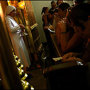 FAITH WEEK / SEMANA DE FÉ <br /> Photography by Aaron Sosa<br /> Caracas - Venezuela 2009<br /> (Copyright © Aaron Sosa)