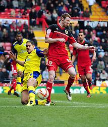 Bristol City's Stephen Pearson battles for the ball with Sheffield Wednesday's Giles Coke in the box - Photo mandatory by-line: Joe Meredith/JMP - Tel: Mobile: 07966 386802 01/04/2013 - SPORT - FOOTBALL - Ashton Gate - Bristol -  Bristol City V Sheffield Wednesday - Npower Championship