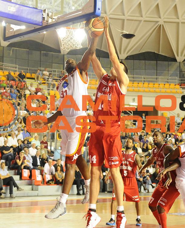 DESCRIZIONE : Roma Lega A 2012-13 Acea Roma Trenkwalder Reggio Emilia<br /> GIOCATORE : Gani Lawal<br /> CATEGORIA : tiro schiacciata<br /> SQUADRA : Acea Roma<br /> EVENTO : Campionato Lega A 2012-2013 <br /> GARA : Acea Roma Trenkwalder Reggio Emilia<br /> DATA : 14/10/2012<br /> SPORT : Pallacanestro <br /> AUTORE : Agenzia Ciamillo-Castoria/GabrieleCiamillo<br /> Galleria : Lega Basket A 2012-2013  <br /> Fotonotizia : Roma Lega A 2012-13 Acea Roma Trenkwalder Reggio Emilia<br /> Predefinita :