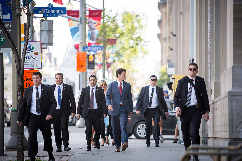 Prime Minister Justin Trudeau took a walk down Wellington Street in Ottawa, from Parliament to the National Press Gallery Theatre, in full escort, for the 2017 fall session kick off press conference.