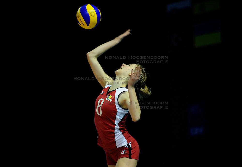 09-04-2009 VOLLEYBAL: EK JEUGD BELGIE - SERVIE: ROTTERDAM <br /> Belgie wint goud op het Europees Kampioenschp Jeugd door Servie met 3-1 te verslaan / Elien Ruysschaert<br /> &copy;2009-WWW.FOTOHOOGENDOORN.NL